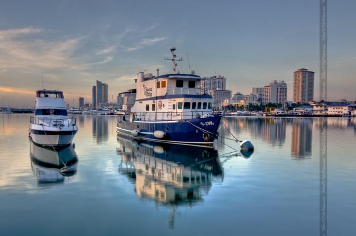 Manila Bay Boats